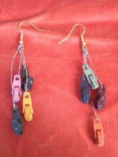 ZIPPER DANGLIES!!!!!!!!!!!!!!!! Diy Zipper Jewelry, Zipper Bracelet, Zipper Crafts, Handmade Jewelry, Button Earrings, Drop Earrings, Zipper Flowers, Jewelery, Jewelry Necklaces