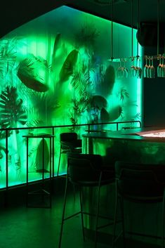 Klub 100 Night Club Belgrade & Serbie & 2014 area: year location: Belgrade, Serbia collaborator: Branislav Ristović, architect photographs: Relja Ivanić AUTORI Cabinet d'architec… Restaurant Interior Design, Cafe Interior, Interior And Exterior, Interior Garden, Bar Deco, Verde Neon, Nightclub Design, Bar Restaurant, Slytherin Aesthetic