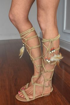 These gorgeous gladiator sandals are comfy and cute! Running a bit big, model is wearing a size 6 (she normally wears a 6.5)