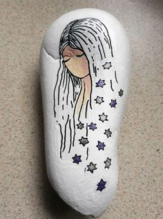 Dreaming of stars pretty woman Pebble Painting, Dot Painting, Pebble Art, Stone Painting, Rock Painting Patterns, Rock Painting Ideas Easy, Rock Painting Designs, Art Patterns, Stone Crafts
