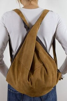 there is no alternative: Multi-purpose bag in suede . there is no alternative: Borsa multiuso in camoscio (riciclato) bicolor… T. there is no alternative: Multi-purpose bag in suede (recycled) two-tone (F … - Tote Handbags, Purses And Handbags, Leather Handbags, Sac Week End, Sacs Design, Large Leather Tote Bag, Leather Backpack, Leather Bag, Diy Backpack