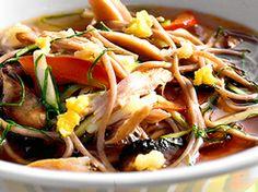 Lågtempererad lax med asiatisk glace, sparris och knipplök (kock Jennie Walldén)