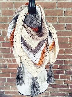 Crochet Tea House Wrap - Perfect winter pattern! #crochet #wrap #fashion