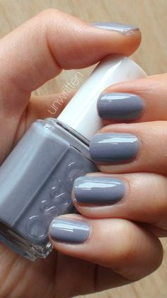 Essie Cocktail Bling I love gray nailpolish and this is a light shade with a slightly blue hue to it that is acceptable to wear during summer AKA I LOVE IT Love Nails, How To Do Nails, Pretty Nails, My Nails, Essie Nail Polish, Nail Polish Colors, Nagellack Design, Gloss Matte, Beauty Tips