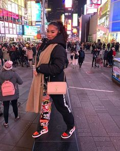 Find out more ideas about Fashion clothing, Spoils outfits and Woman styles. Tomboy Outfits, Chill Outfits, Tomboy Fashion, Swag Outfits, Casual Winter Outfits, Dope Outfits, Fashion Killa, Trendy Outfits, Fashion Outfits