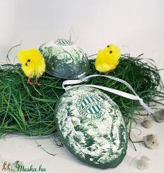 FTC sötétben világító húsvéti tojás foci rajongói meglepetés tojás nem csak húsvétra, névnapra, szülinapra, gyermeknapra (Biborvarazs) - Meska.hu Ac Milan, Manchester United, Coconut, Man United