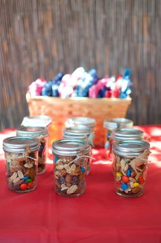 Trail mix favors (we can use a cuter candy too, to make it look cuter)     http://www.prettymyparty.com/farm-animal-birthday-party/