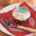 big fan of cupcakes and apples. must try these apple cupcakes.