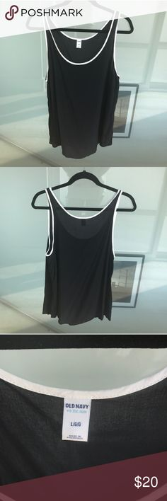 Black and White Old Navy Tank Top Large In perfect condition. Such a cute twist on the classic white tank with black piping and in such a soft material! Old Navy Tops Tank Tops