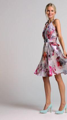 Plissé partydress Roze Floral Outfits, Floral Fashion, High Low, Party Dress, Weddings, Inspiration, Dresses, Biblical Inspiration, Vestidos