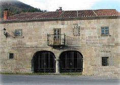 Casona Montañesa de la Familia Bustamante