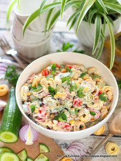 Sałatka z tortellini   Smaczna Pyza Tortellini, Mediterranean Diet Recipes, Brownie Recipes, Fried Rice, Pasta Salad, Salad Recipes, Potato Salad, Food And Drink, Menu