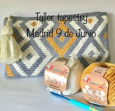 Crochet Pencil Case, Crochet Pouch, Crochet Hooks, Crochet Bags, Crochet Needles, Crochet Stitches, Knit Crochet, Beginner Crochet Projects, Crochet For Beginners
