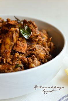 Kerala- Seafood Recipes Fish Recipes, Seafood Recipes, Prawns Fry, Turmeric Water, Chicken Recepies, Coconut Slice, Gluten Free Rice, Curry Leaves, Mussels