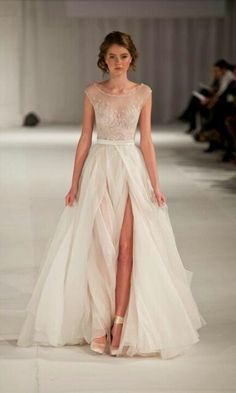 Robe de mariage : Paolo Sebastian Swan Lake Wedding Dress with Nude Bustier Idée et inspiration robe de mariage tendance 2018 Image Description Paolo Sebastian Swan Lake Wedding Dress with Nude Bustier – Nearly Newlywed Ivory Prom Dresses, Bridal Dresses, Wedding Gowns, Bridesmaid Dresses, Evening Dresses, Party Dresses, Dress Prom, Dresses 2016, Formal Dresses