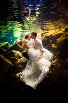 Trash the Dress @ Dean Sanderson | Mexico Wedding PhotographerDean Sanderson | Mexico Wedding Photographer