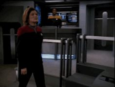 Captain Janeway and Chakotay - Gif Timeless Series, Captain Janeway, Kate Mulgrew, Star Trek Universe, Star Trek Voyager, Movie Gifs, Live Long, My Heart Is Breaking, For Stars