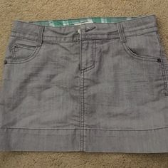 SO gray skirt Short mini gray skirt. Worn once or twice. No signs of wear. SO Skirts Mini
