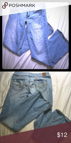 """Light American eagle Artist stretch jeans Light blue American eagle stretch jeans in the """"Artist"""" style. No signs of wear except on the bottom, just light dirt stains from hitting the ground- this is visible in the pictures and reflected in the price American Eagle Outfitters Jeans"""