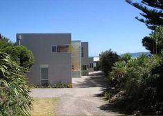 Raumati Beach Holiday Accommodation-Raumati Beach is a nice tourist destination, located in Wellington, New Zealand, where you can choose from some of the finest Raumati Beach holiday homes for accommodation. The Raumati Beach villas offer easy access to the beach area where you can enjoy the pristine beauty.