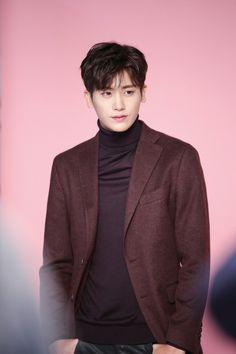 "Park Hyung Sik como Ahn Mi Hyuk en ""Strong Woman Do Bong Soon"" Park Hyung Sik, Hot Korean Guys, Korean Men, Lee Hyun, Lee Jong Suk, Strong Girls, Strong Women, Asian Actors, Korean Actors"
