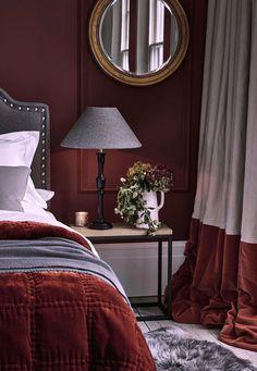 Bedroom Orange, Bedroom Red, Home Bedroom, Bedroom Decor, Bedroom Ideas, Nice Bedrooms, Awesome Bedrooms, Master Bedrooms, Bedroom Inspo