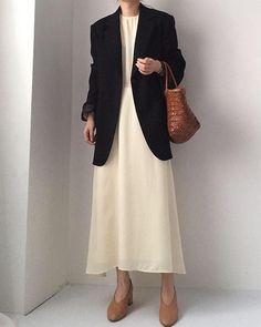 너무너무 추천해드리는 파인핸드코트✨ 이번주까지 할인가 구매 가능하세용💛 . . #앤드베이지 #andbeige #daily #데일리 #데일리룩 #옷스타그램 #셀스타그램 #dailylook #옷가게 #로드샵 #공구 #블로그 #아웃핏 #outfit… Minimal Fashion, Work Fashion, Modest Fashion, Fashion Looks, Mode Outfits, Stylish Outfits, Fashion Outfits, Womens Fashion, Fashion Trends