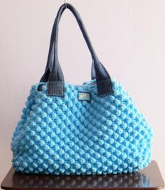 hermosa bolsa | find the ugliest textured sweater to recycle and reinvent it to this lovely purse!