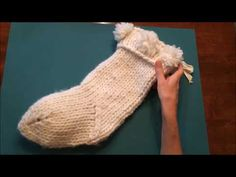 How to Knit the Magic Loop for the Chunky Knit Christmas Stocking, Video 1 of A quick video illustrating the magic loop method of knitting socks or stockings. This is the first of four videos showing some of the techniques used to knit the Chunky Knit Knitted Christmas Stocking Patterns, Crochet Stocking, Christmas Yarn, Knitted Christmas Stockings, Christmas Knitting, Christmas Sweaters, Crochet Socks, Knitting Socks, Free Knitting
