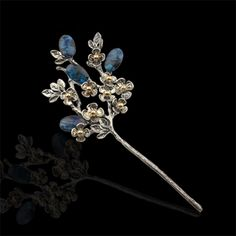 달의연인, 오팔꽃 머리꽂이 Hand Jewelry, Cute Jewelry, Traditional Fashion, Traditional Outfits, Modern Hanbok, Korean Jewelry, Nail Jewels, Hair Decorations, Head Accessories