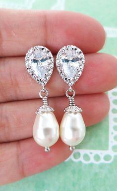 Cubic Zirconia Teardrop earrings, pearl Wedding Bridal Earrings, Bridesmaids, Teardrop Cubic Zirconia Crystal, Sparkly Earrings, www.glitzandlove.com