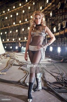 Jane Fonda on the set of Barbarella, 1967 Space Girl, Space Age, Jane Fonda Barbarella, Barbarella Movie, Science Fiction, Fritz Lang, Actrices Hollywood, Iconic Women, Classic Hollywood
