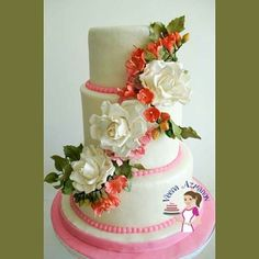 Some more sugar flowers... #veenaazmaonv #sugarflowers  #cake #sugarart #cakedecorating #fondant #tortas #resposteria #bolo #cakestagram