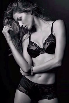 Gisele Caroline Bündchen #lingerie