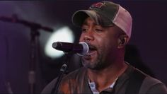 Did you see Darius Rucker rocking out in his South Carolina Gamecocks hat last night on Jimmy Kimmel Live?