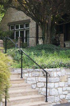 Wrought Iron Railing Design Ideas for a Tudor Home - Antietam Iron Works udor Homes are a traditiona Outdoor Stair Railing, Wrought Iron Stair Railing, Iron Handrails, Iron Railings, Porch Handrails, Exterior Handrail, Garden Railings, Balcony Railing Design, Outdoor Steps