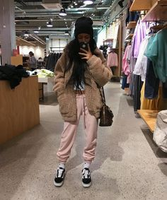 @benitathediva  Lazy day outfits, cute comfy clothes, outfits for school, college outfits.   SOURCE: See this Instagram photo by @blvckd0pe • 9,392 likes