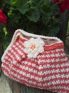 https://www.etsy.com/nl/listing/190896747/handmade-crochet-houndstooth-handbag