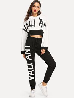 Shop Drop Shoulder Letter Crop Hoodie and Sweatpants Set online. SheIn offers Drop Shoulder Letter Crop Hoodie and Sweatpants Set & more to fit your fashionable needs. Sporty Outfits, Cute Outfits, Fashion Outfits, Fashion Clothes, Business Casual Jeans, Drawstring Pants, Batwing Sleeve, Long Sleeve, Two Piece Outfit