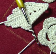 Joining Irish crochet motifs in pictures