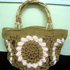 Awesome+Crochet | Awesome Lotus Crochet Handbag