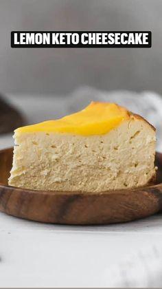 Low Carb Cheesecake, Cheesecake Recipes, Dessert Recipes, Low Carb Desserts, Healthy Desserts, Delicious Desserts, Keto Chocolate Recipe, Keto Candy, Lemon Recipes
