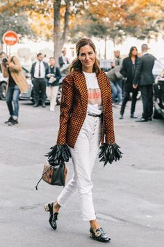 Plumas: trend alert - Moda que Rima Gala Gonzalez, Paris Fashion, Winter Fashion, Moda Minimal, Winter Outfits, Cool Outfits, Looks Street Style, Looks Vintage, Minimal Fashion