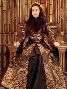 the CW's Reign Fashion & Style Reign Dresses, Old Dresses, Queen Mary Reign, Queen Elizabeth, Adelaine Kane, Marie Stuart, Reign Fashion, Fantasy Gowns, Medieval Dress
