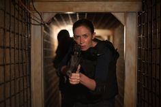 Grey becomes the darkest shade of black in Sicario, Denis Villeneuve's arresting and awards-worthy new drug war thriller, starring Emily Blunt, Benici. Emily Blunt, Good Movies To Watch, New Movies, Streaming Vf, Streaming Movies, Mexican Drug War, Benecio Del Toro, Thriller, Celebrities