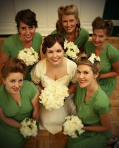 vintage 1940's wedding.  Love this! Great bride nd her bridesmaids photo