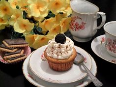 Briose cu fructe Cheesecake, Muffin, Breakfast, Desserts, Food, Morning Coffee, Tailgate Desserts, Deserts, Cheese Cakes