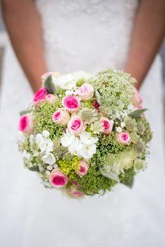 Bouquet mariée vert et rose (hortensias blanc)- photographe mariage cholet - maine et loire - Emilie.B #bouquetmariée #hortensia #rose #mariage #photographemariage