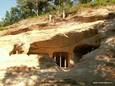 <strong>Templul misterios unde dorintele se implinesc: Sinca Veche ~ Sinca Veche - Temple of Wishes~|www.welcome2romania.wordpress.com</strong>