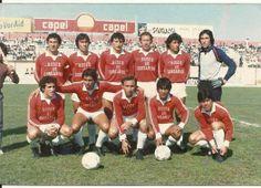 Deportes La Serena 1985 (1ra Division).  Arriba: PAREDES, ALFARO, BELLO, VALENZUELA, JUAN FIGUEROA, IVY GONZALEZ.  Abajo: FERNANDO GONZALEZ, EUGENIO FIGUEROA, VICTOR MANUEL CUBAS, HECTOR CABELLO Y VICTOr SOLAR.